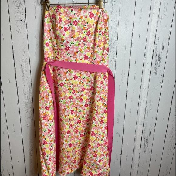 Beautiful Lily Pulitzer strapless Dress.